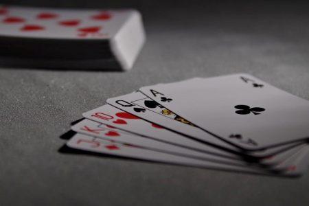 Kartenspiele Im Online-Casino - Spannend Und Vielfältig